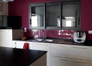 cuisine portes polymère bois crême granit noir cuir zimbabwe poignée posée a saint cannat aix en provence salon de provence par socodi veneta cuisine
